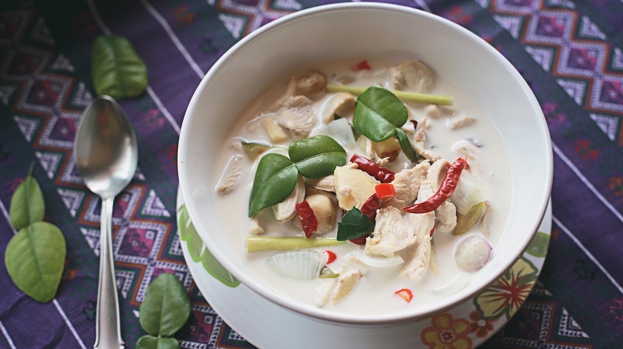Cách nấu súp gà nấu nước cốt dừa