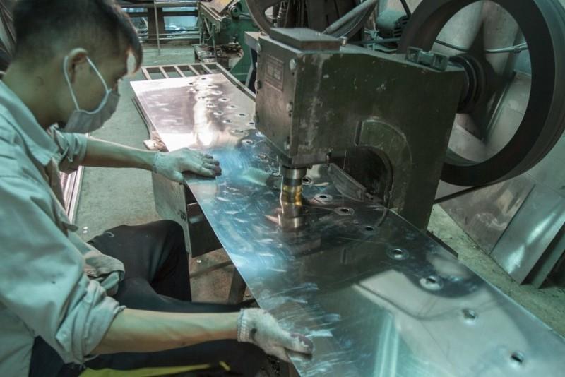 Viễn Đông sản xuất máy vặt lông gà